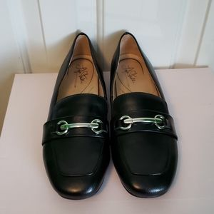 Life Stride Brie Loafer Black flat Size 8